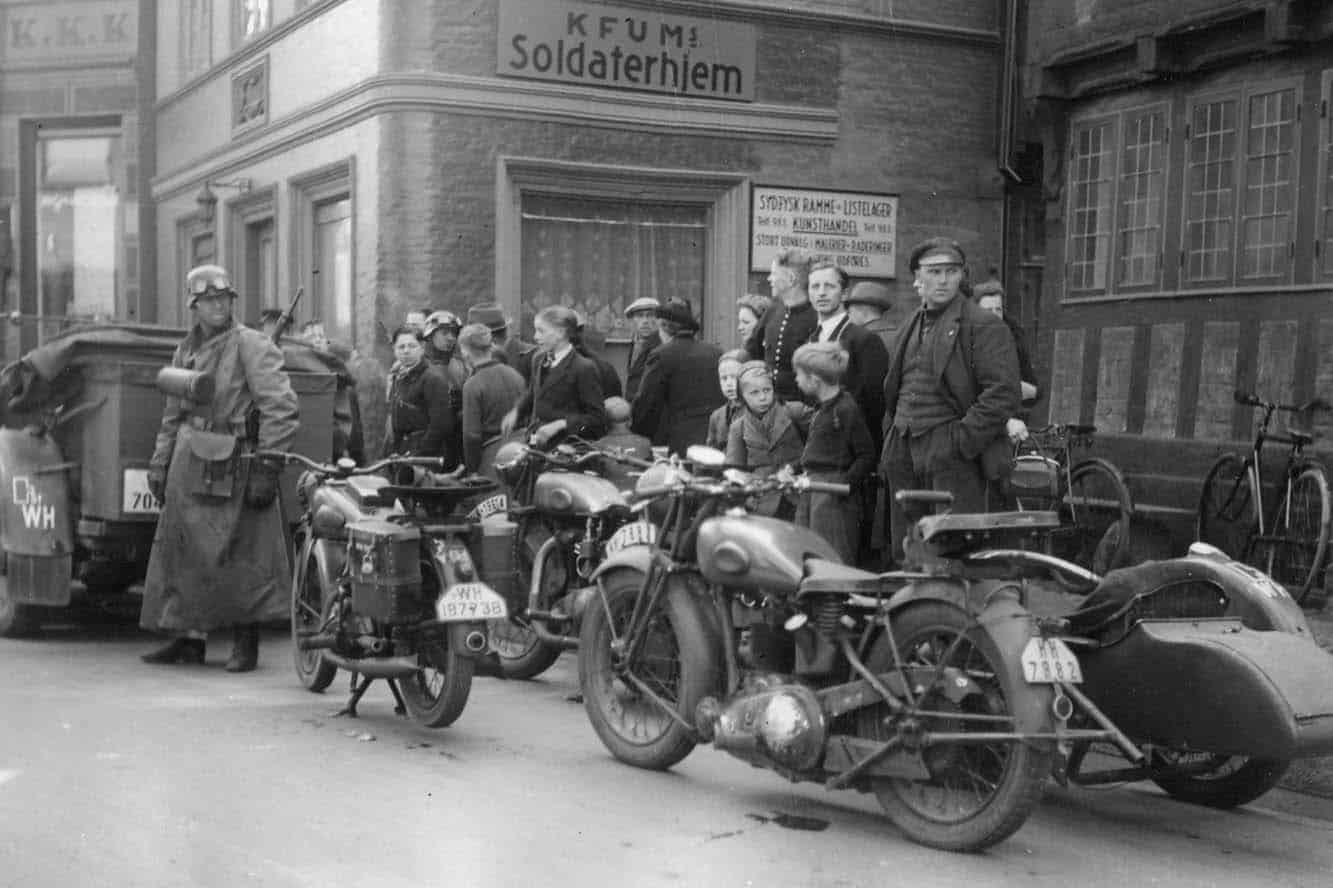 Tyske soldater i Helligkorsgade i Kolding